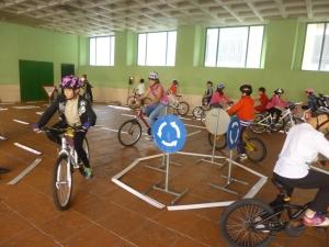 http://www.denia.com/mas-de-600-escolares-aprenden-a-circular-en-bicicleta/