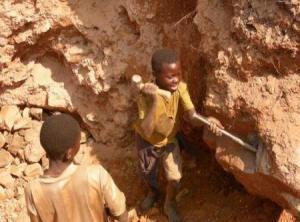 En las minas de Coltán se trabaja en condiciones de esclavitud.